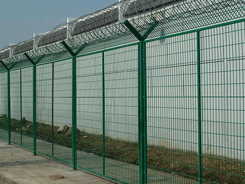Y型支架护栏网