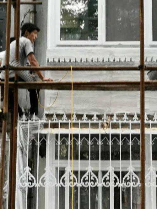 河北省唐山市路北区新建设某小区,防爬刺钉施工成功